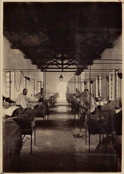 Tanlistwa, Théotime Bray, surveillant du bagne de Nouvelle-Calédonie (1887-1903), Presqu'île Ducos. Hôpital. Vue intérieure d'une salle de malades, [1886-1904], Office colonial